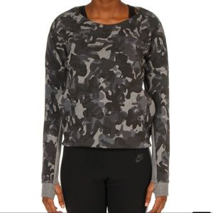 NIKE SPORTSWEAR NIKE TECH FLEECE CAMO CREW TOP